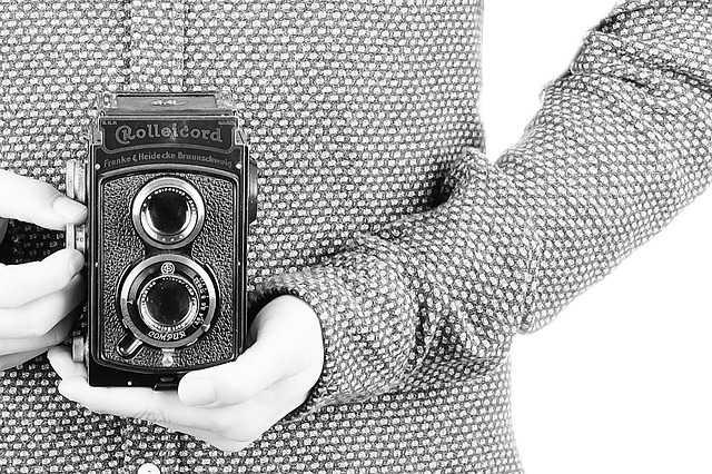 昔は二眼レフカメラというものがあった
